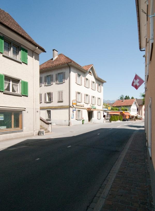 Wangserstrasse, vom Platz, Löwen, links_DSC0014_2